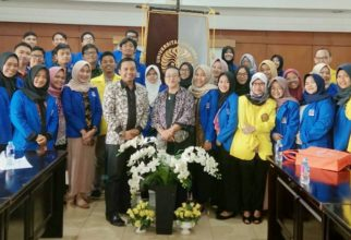 Kunjungan sastra inggris UII Yogyakarta